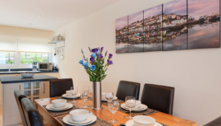 15 Heath Court, Brixham, South Devon